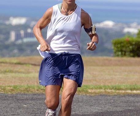 female athlete running thriathletes